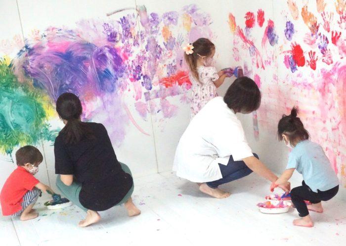 全身でペイント!FAMILY FREELY☆【2歳-小学生/家族参加】7月8月/麻布十番 #アート #イベント #子ども #麻布十番 #絵の具遊び #家族で楽しむ @ 知育ラボ